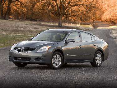 Nissan Altima Trims Hybrid Model, For Now