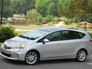 2012 Toyota Prius v First Drive Review