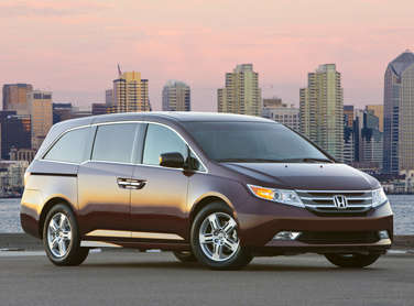 2011 Honda Odyssey Touring Elite Road Test & Review