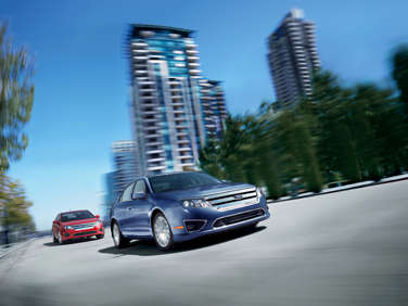 2012 Ford Fusion Hybrid Returns With 40+ Highway MPGs