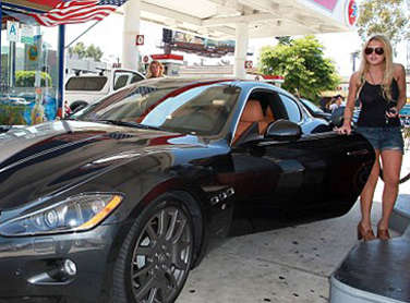 Lindsay Lohan and her World Ending 2011 Maserati Gran Turismo Coupe