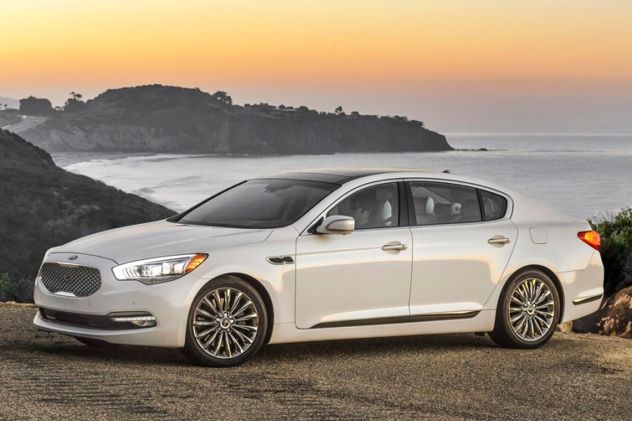 The Best Rear-Wheel Drive Sedans For 2016