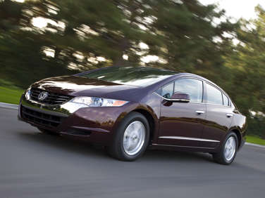 Daily Driving in the Honda FCX Clarity Hydrogen-Powered Sedan
