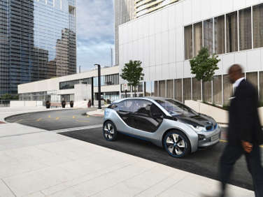 BMW i3 Draws Attention at Los Angeles Auto Show