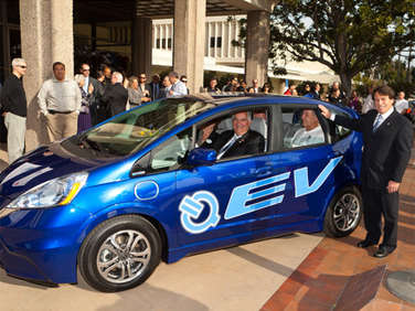 First 2013 Honda Fit EV Delivered in California