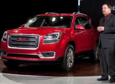 2013 GMC Acadia Debuts At Chicago Auto Show