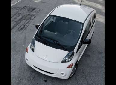 05. The 2012 Mitsubishi i-MiEV Provides Three Drive Modes