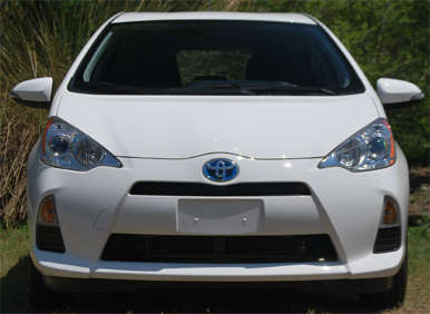 2012 Toyota Prius c Review: How It Drives