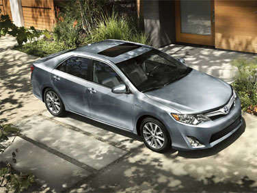 2012 Toyota Camry Hybrid Road Test and Review