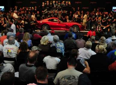 First 2013 SRT Viper Earns $300,000 for Charity
