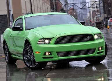 2013 Ford Mustang - We Hit The Track In Each And Every Model From V6