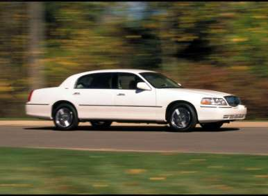 Lincoln Town Car Used Car Buyer's Guide: Intro