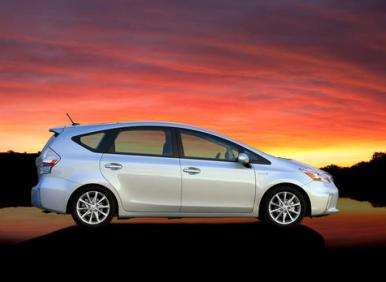 2012 Toyota Prius V Road Test and Review