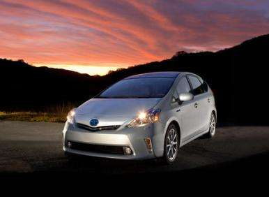 Performance: 2013 Ford C-Max Hybrid vs. 2012 Toyota Prius V