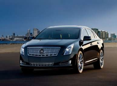 2013 Cadillac XTS Showcases New Customer-care Program—and an iPad