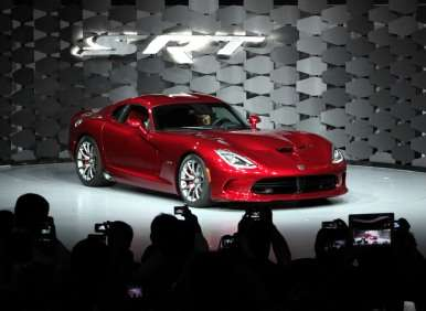 2013 SRT  Viper Shows Its Fangs at New York Auto Show