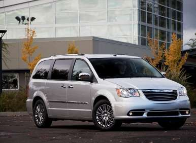 Best Cars for the Tailgate Party: Chrysler Town & Country