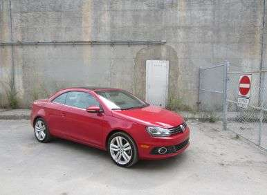 2012 Volkswagen Eos Road Test and Review