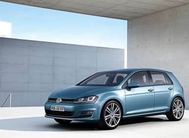 2014 Volkswagen Golf Improves Its Swing in Paris