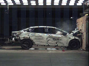 IIHS Top Safety Picks 2009: Midsize Sedans