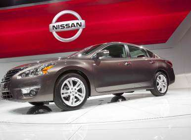 Nissan Delivers 4 Millionth Mid-sizer with 2013 Nissan Altima