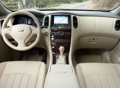2013 Infiniti EX37 Journey AWD Review: Features and Controls