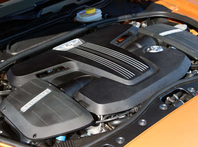 Powertrain and Fuel Economy: 2013 Bentley Continental GT V8