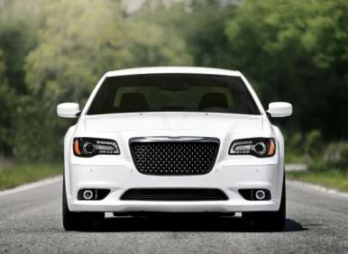 Best Winter Cars - 10 - 2013 Chrysler 300