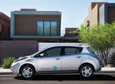 2013 Nissan LEAF Begins Production in Tennessee