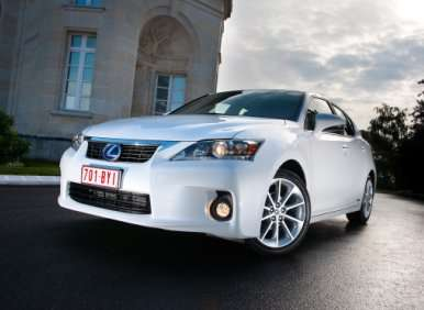 Luxury Hybrid Cars - 08 - 2013 Lexus CT200h