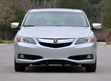 2013 Acura ILX Road Test and Review