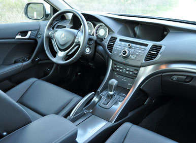 2013 Acura TSX Road Test and Review: Features and Controls