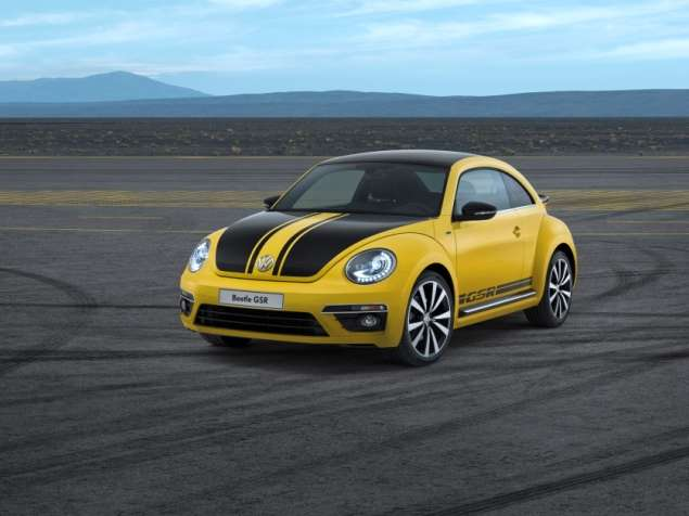 Fast Ones: Sporty New 2014 VW Beetles Bow in Chicago
