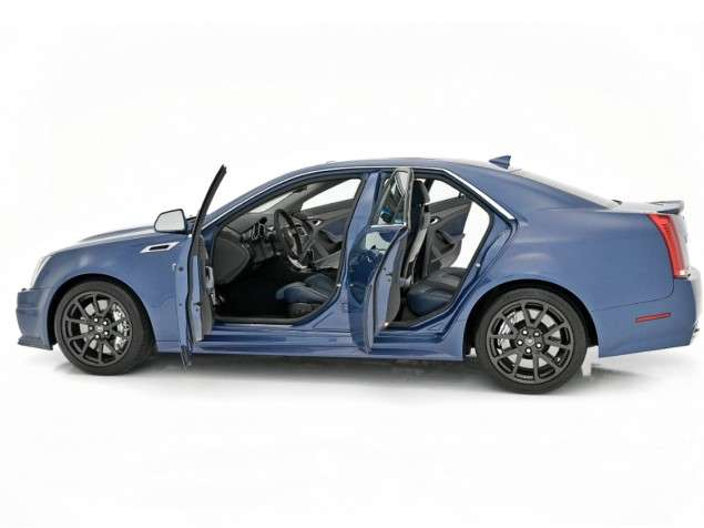2013 Cadillac CTS Gets New Shades