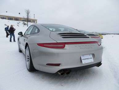 Updated All-Wheel Drive Leads 2013 Porsche 911 4S Charge