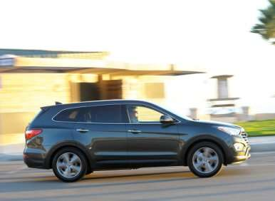 10 things you need to know about the 2013 hyundai santa fe. Black Bedroom Furniture Sets. Home Design Ideas
