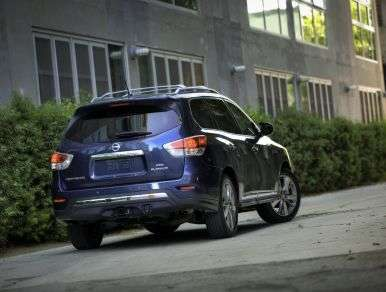 2013 Nissan Pathfinder SL Review: Pros and Cons
