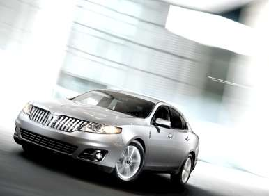 2013 Lincoln MKS Enters The Livery Service