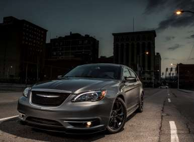New York Auto Show: 2013.5 Chrysler 200 S Special Edition