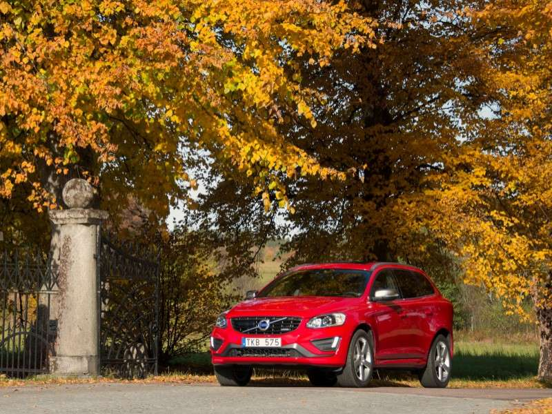 2013 Volvo XC60 T6 AWD R-Design Road Test & Review