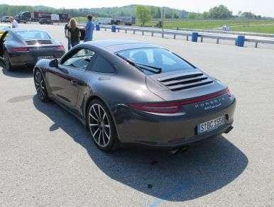 2013 Porsche 911 Sports Car Quick Spin