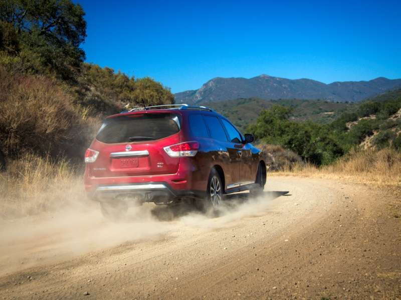 2014 Nissan Pathfinder Debuts with $50 Price Bump