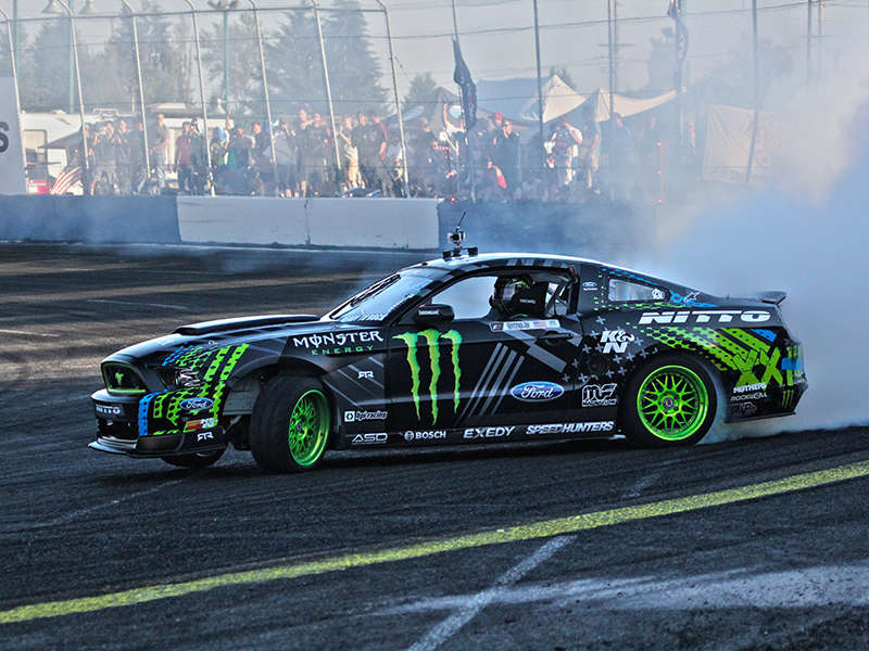"2013 Formula Drift Round 5 ""Throwdown"" in photos"
