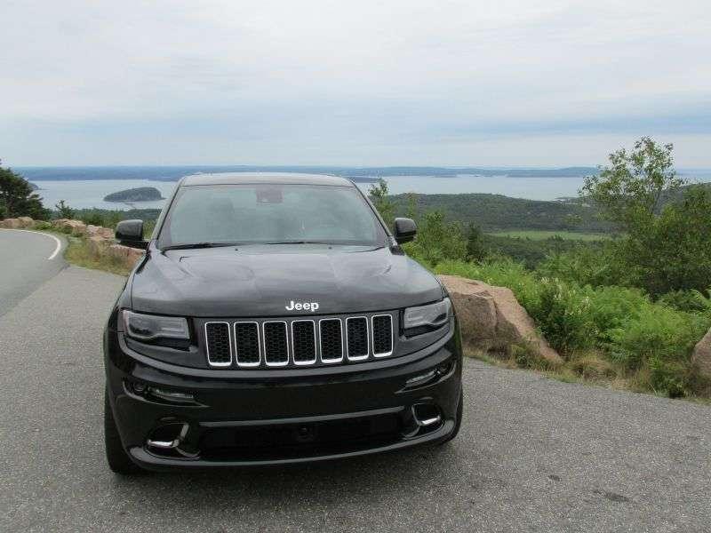Jeep Grand Cherokee SRT Reviews
