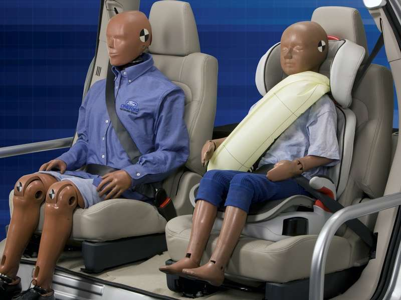 2014 Ford Fusion Lineup to Get Inflatable Rear Seat Belts