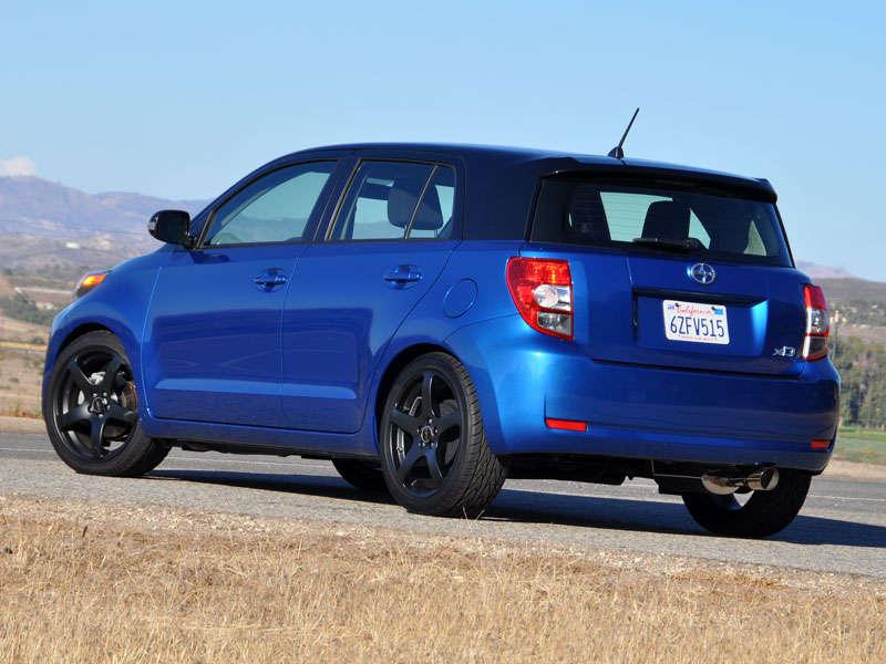 2013 Scion xD Hatchback Quick Spin Review | Autobytel.com