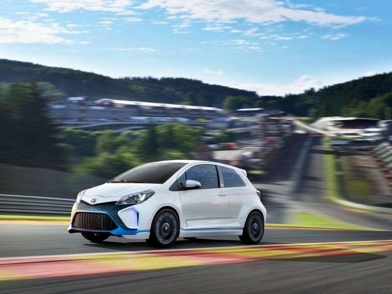 Frankfurt Motor Show: Toyota Yaris Hybrid-R Concept Zips Around