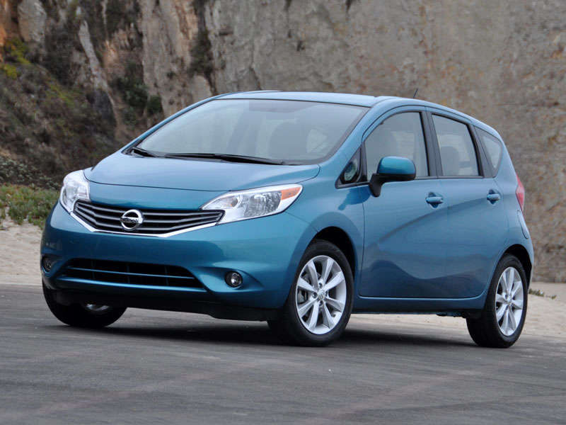 2014 nissan versa note reviews autoblog and new car test. Black Bedroom Furniture Sets. Home Design Ideas