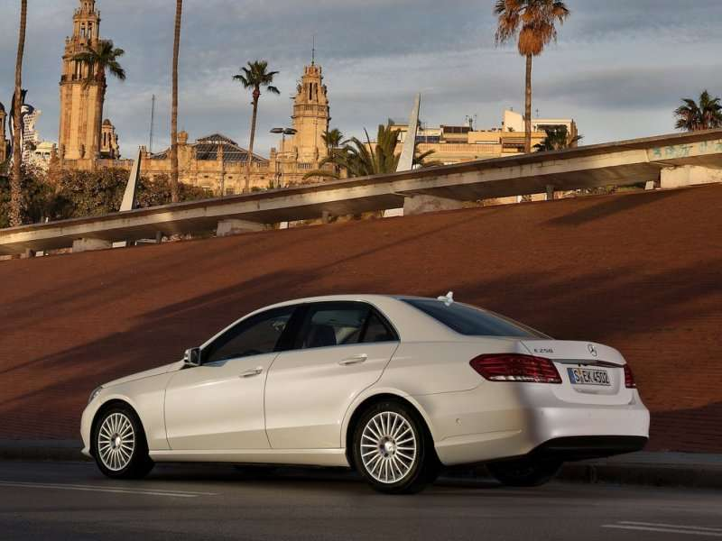 2014 Mercedes-Benz E250 BlueTEC Sets New Mark for Diesel Sedans