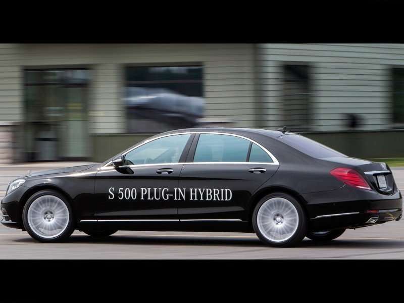 Redesigned Mercedes-Benz S-Class Adds Plug-in Hybrid